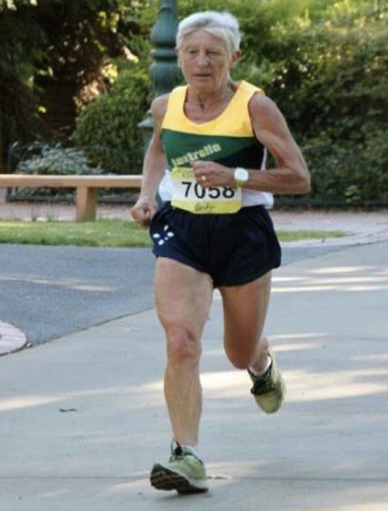 Lavinia set 3K and 10K world records on same day in January 2014.