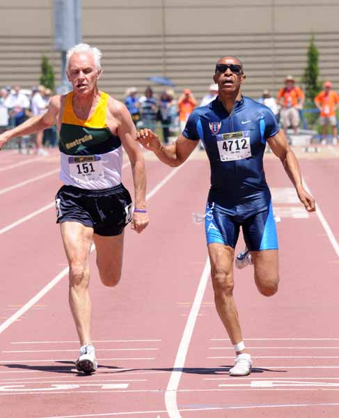 Peter (left) battles Stan Whitley at 2011 Sacto worlds.